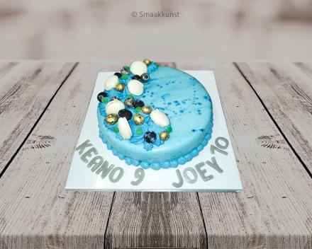Blauw als themagebak door patisserie en chocolaterie Smaakkunst te Roeselare