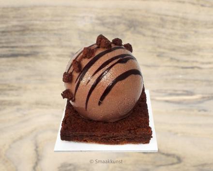 De caramba als individueel gebak, uit het assortiment standaard taarten van Smaakkunst Roeselare