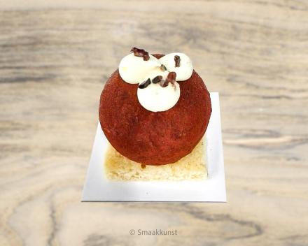 De tiramisu als individueel gebak, uit het assortiment standaard taarten van Smaakkunst Roeselare