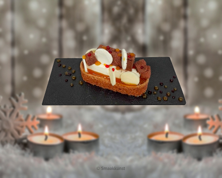 Een dessertbordje sparkling als Kerst- en eindejaarsgebak door patisserie en chocolaterie Smaakkunst Roeselare