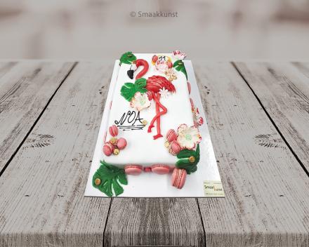 De flamingo_Hawaï als themagebak door patisserie en chocolaterie Smaakkunst te Roeselare