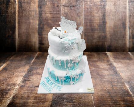 Stapeltaart Frozen door patisserie en chocolaterie Smaakkunst te Roeselare