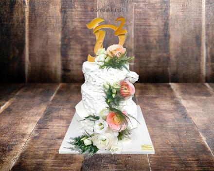 Stapeltaart verloving door patisserie en chocolaterie Smaakkunst te Roeselare